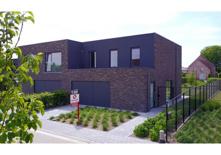 Vastgoed Unicum -     Maldegem, Woning             - Prachtige, residentiële woning met 3 slpk, garage en tuin - VERKOCHT